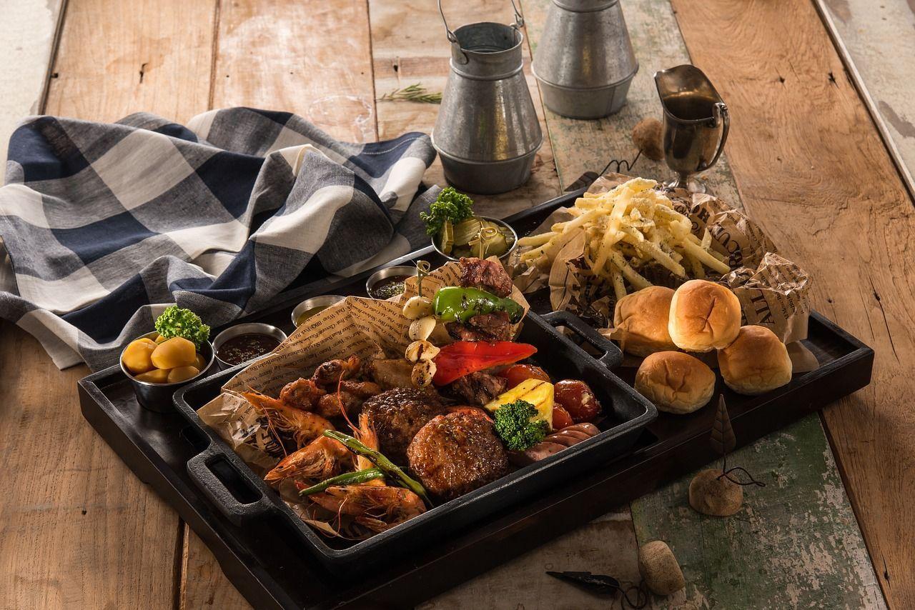Como escolher a mesa para área de churrasqueira